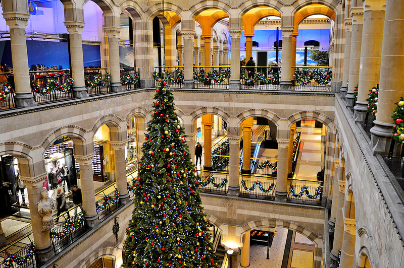 Magna Plaza in December
