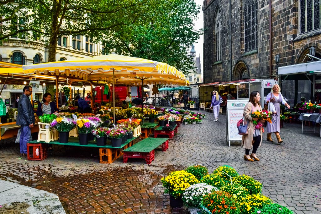 The flower market in Bremen.