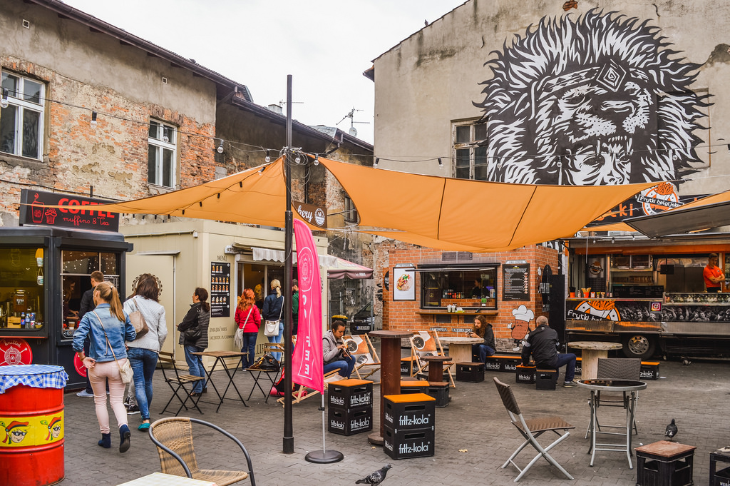 Food trucks and street art in Krakau