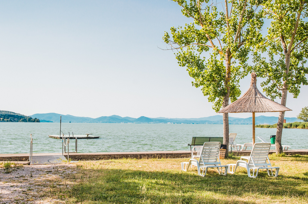 The shoreline of Lake Trasimeno in Umbria