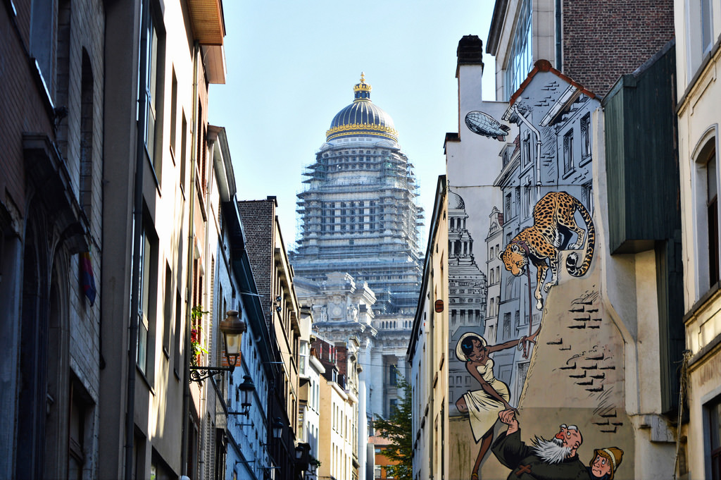 Brussels on a budget: walk around the city to see the comic book murals/