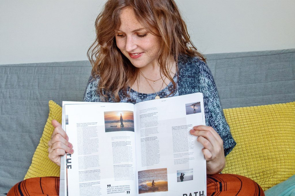 Life update: Roselinde holding a magazine with her photos featured in an article