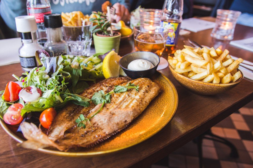 Histoires d'O serves fresh fish for lunch and dinner